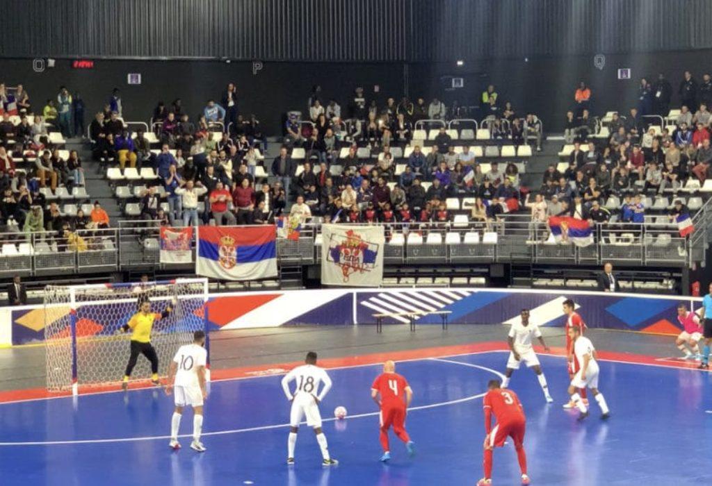 (FOTO) Pariz : Osam sekundi pre kraja Srbija pobedila domaćina. Srpski navijači oduševili