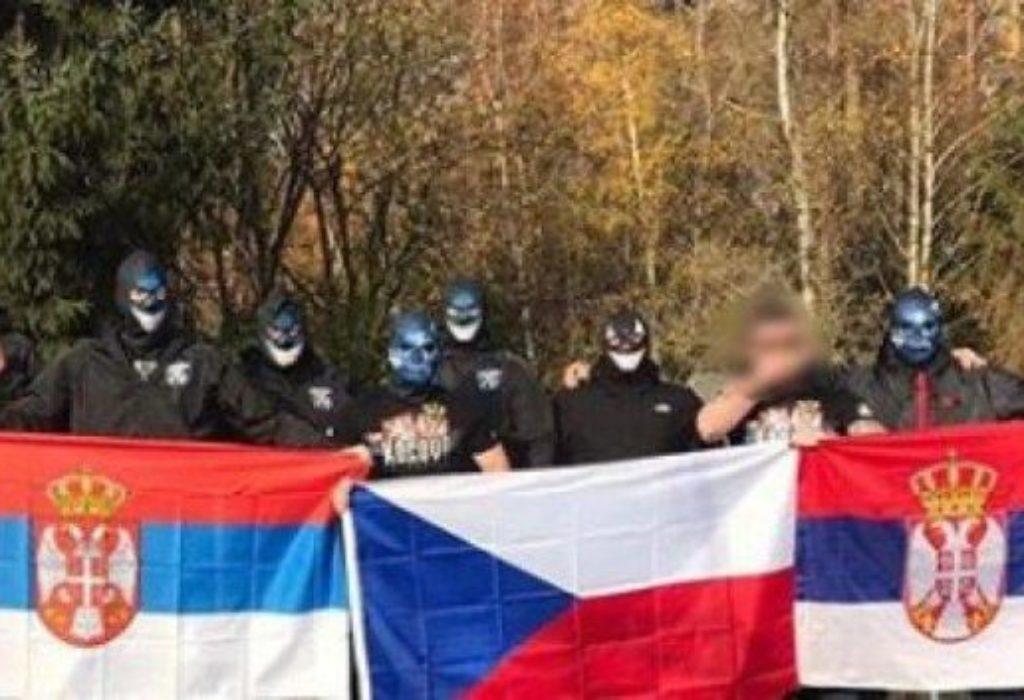 (VIDEO)Češki navijači : «Kosovo je Srbija». Povređeni Albanci navijači tkz.Kosova