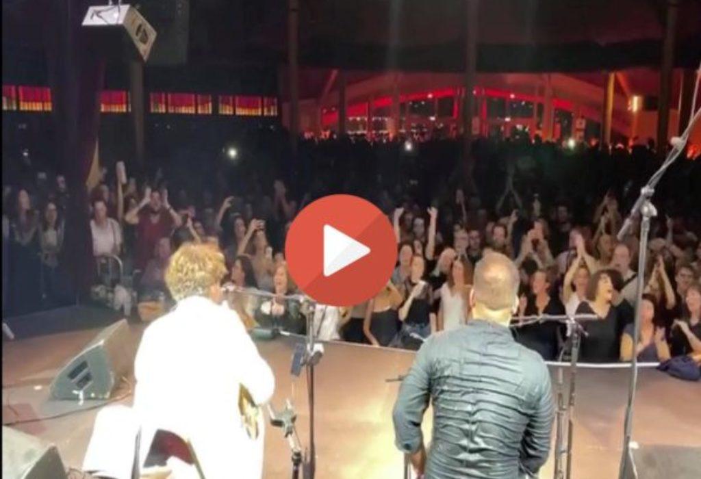 (VIDEO)Bregović u njegovom stilu. Francuzi, na srpskom, u glas pevali