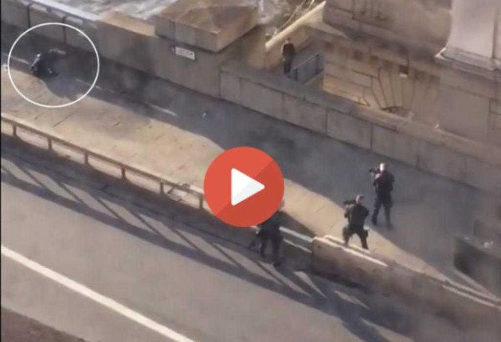 (VIDEO)Užas na Londonskom mostu. Policija neutralisala napadača