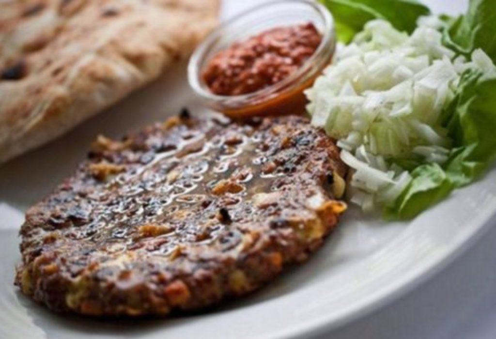 «Pljeskavica» – Hamburger serbe, c'est un vrai plaisir