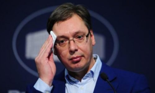 Predsednik Srbije prebačen u bolnicu