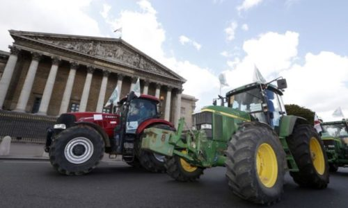 Pariz : U sredu traktori blokiraju grad. Evo kako, gde i zašto