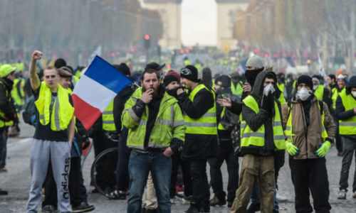 """(UŽIVO) Pariz : Zbog godišnjice """"žutih prsluka"""" danas izbegavajte grad"""