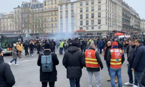 (VIDEO)Generalni štrajk počeo. Prvi neredi. U Parizu, gradski prevoz produžio štrajk do ponedeljka
