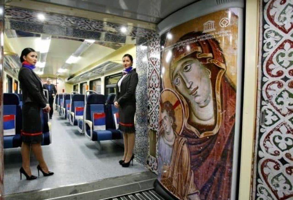 (FOTO)Air Serbia dekorisala unutrašnjost aviona freskama kao u Crkvi