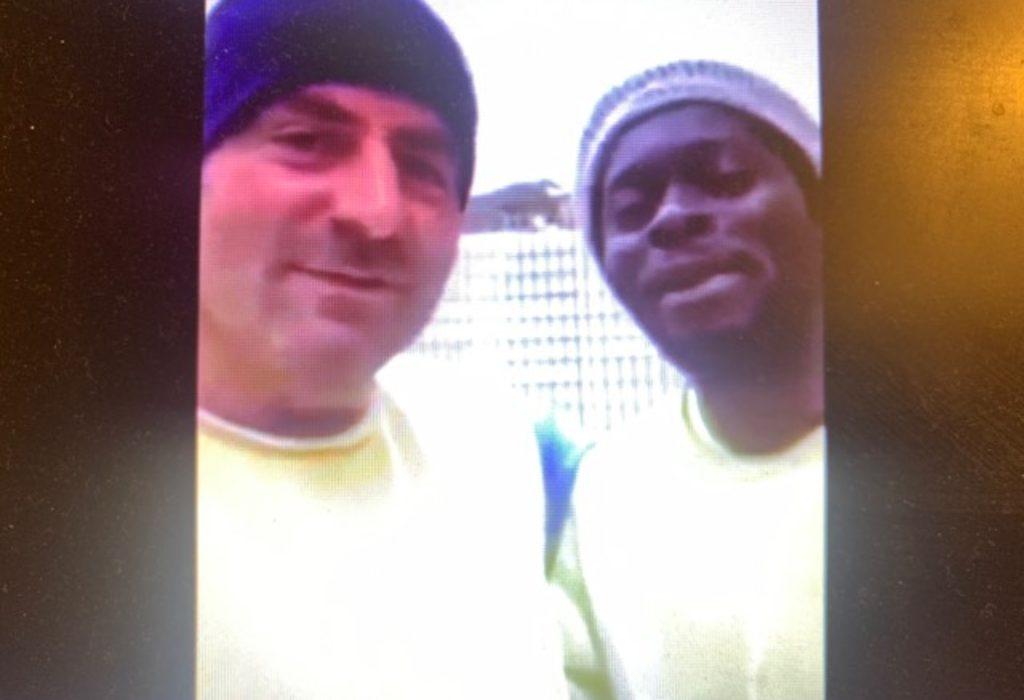 (VIDEO) Crnac na gradilištu otpevao na srpskom