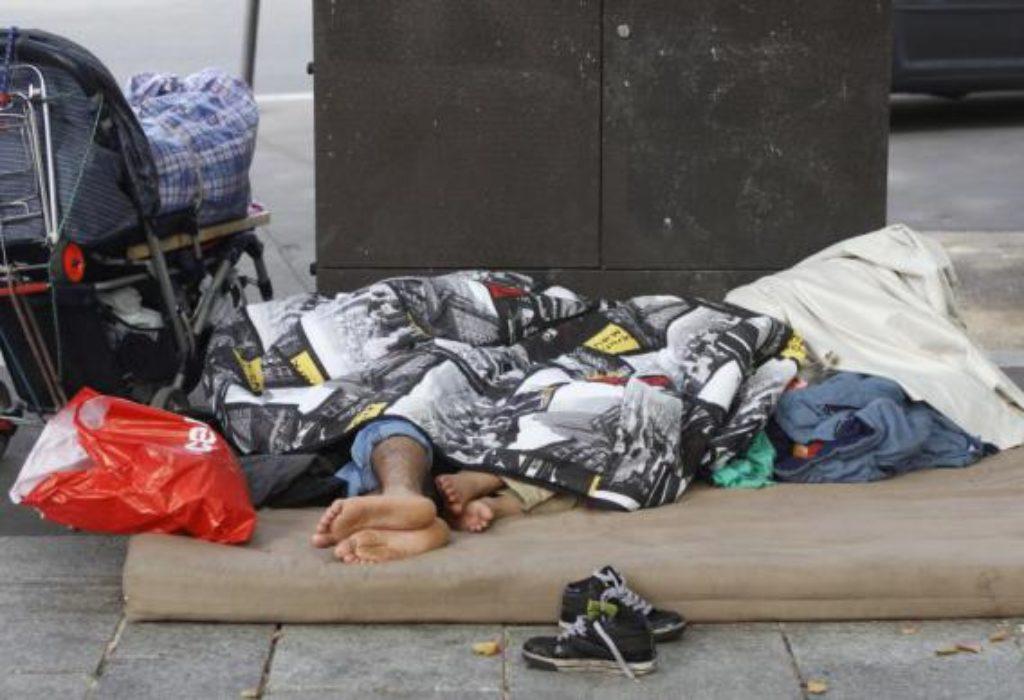 TUGA. Oko 500 dece stalno spava po ulicama Pariza