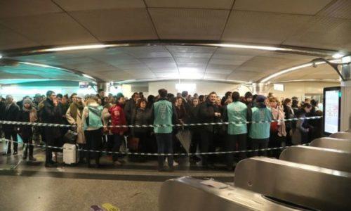 (VIDEO)Jedno uobičajno jutro u pariskom metrou