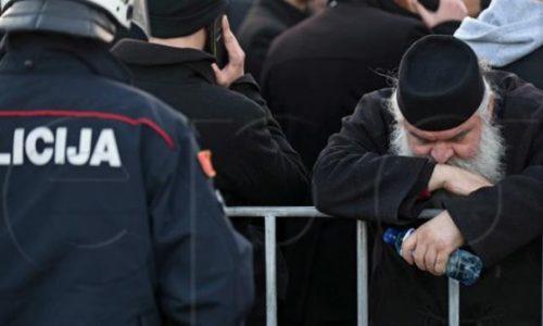 Le Monténégro : La torture de la police contre les députés et les citoyens