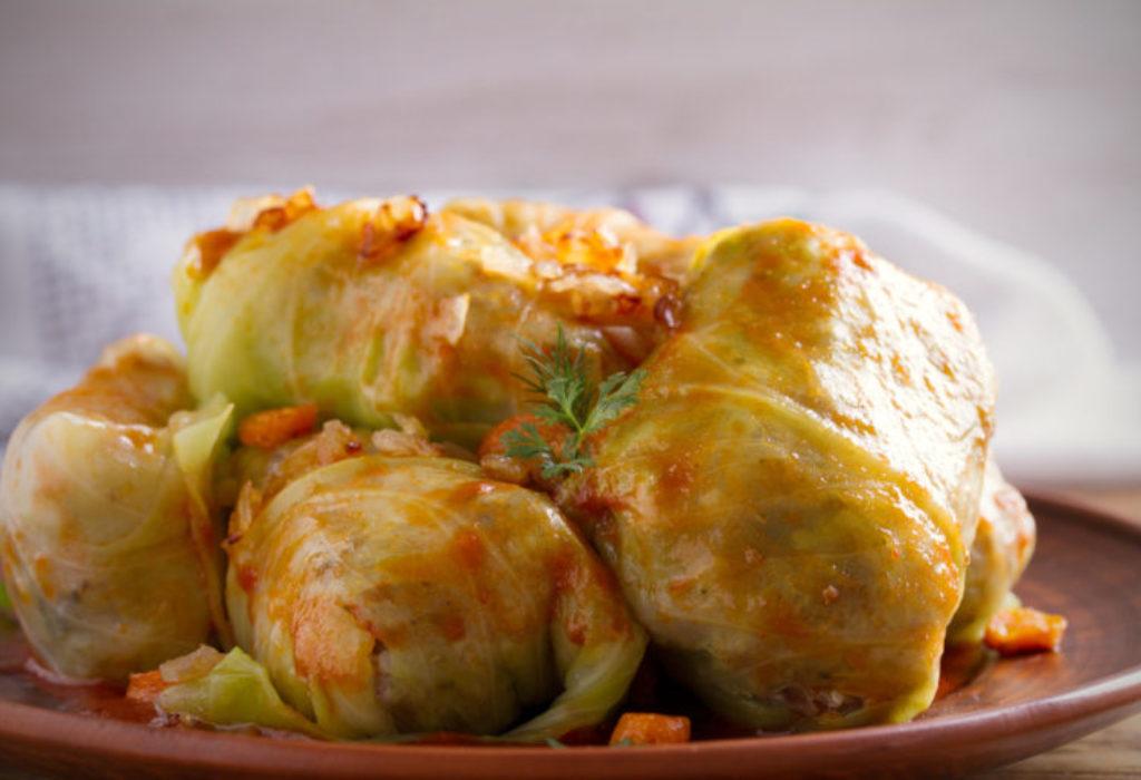 SARMA – Magnifique repas traditionnel serbe