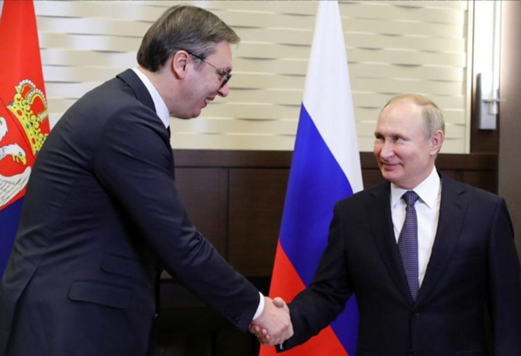 (FOTO)Sastanak Putina i Vučića. Jedan drugom poklonili ovo