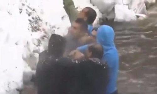 (VIDEO)U Bugarskoj opšta tuča učesnika plivanja za Časni krst