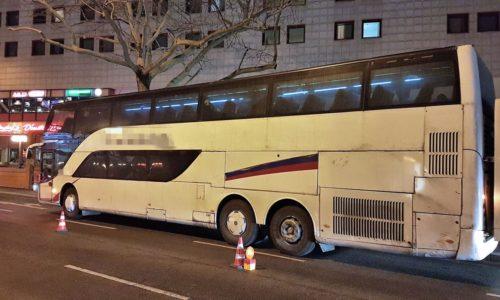 (FOTO)Autobus krenuo za Srbiju pa ga policija isključila iz saobraćaja
