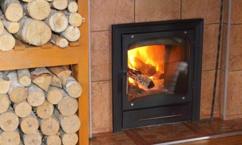 Od danas zabrana grejanja na drva u Parizu i okolini