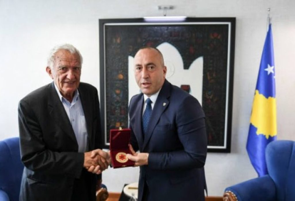 """(FOTO)Voker na Kosovu dobio medalju """"Skenderbega"""""""