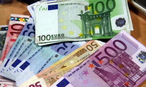 Francuska : Pronašli novac pa ga odneli u policiju