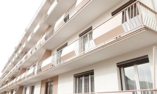 Francuska : UŽAS. Zavezao svoju ženu da visi na balkonu