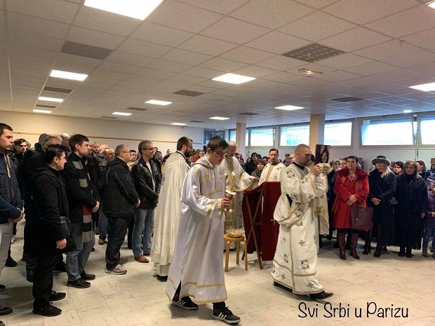 (VIDEO,FOTO)Pariz : Srbi radujte se. Prvo Bogosluženje u novoj Crkvi posvećenoj Svetom Vasiliju Ostroškom