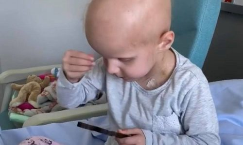 """(VIDEO)Pariz : Mala Helena dobila životnu bitku. """"Neka svi budu zdravi, neka brzo idemo kući, Bože pomozi""""."""