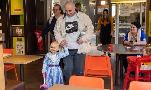 Pariz : Još jedan humani gest za malu Ivanu koja se leči u Parizu