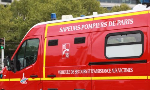 Francuska : UŽAS. Pucano na kamion vatrogasaca (prva pomoć)