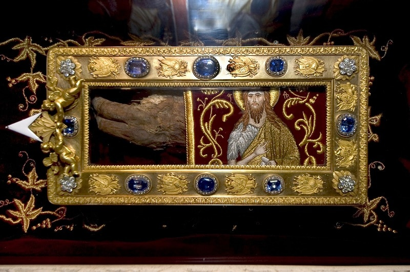 Rimokatolička crkva ponudila 150M€ za ruku koja je krstila Hrista a koja se nalazi na Cetinju