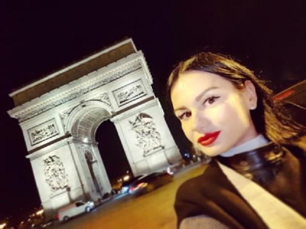 PARIZ : BLOKIRANA SRPKINJA OSTALA NA ULICI. NIKO DA JOJ POMOGNE
