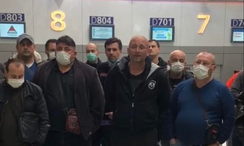 (VIDEO) Pariz : Srbi na aerodromu otpočeli štrajk glađu. Imaju samo jednu želju