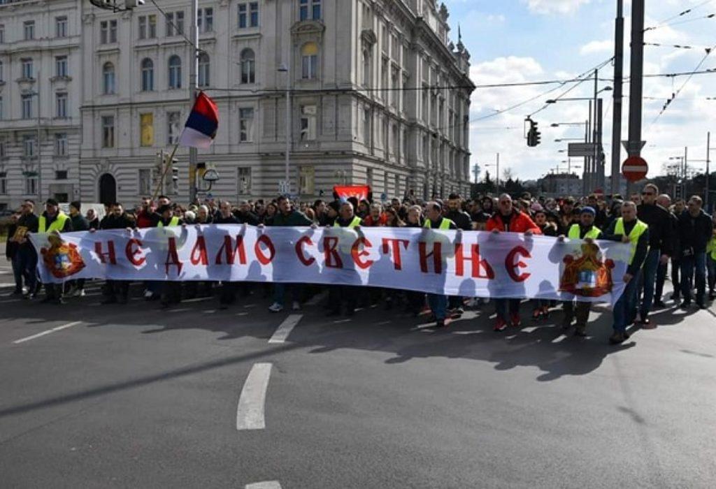(VIDEO)Ustali Srbi iz Beča. «Ne damo svetinje» odjekivalo gradom
