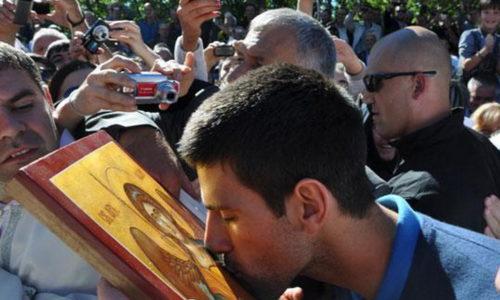 (FOTO)Novak stao uz narod za odbranu svetinja u Crnoj Gori