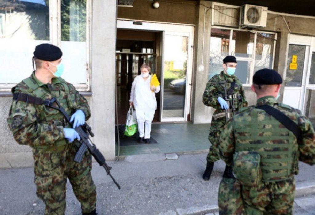 Serbie : Les soldats devant les hôpitaux et couvre-feu