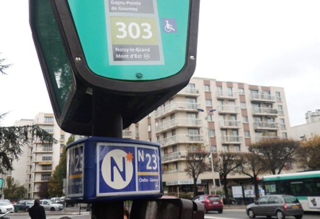 (VIDEO)Pariz : Srpkinja zapevala na bus stanici pa dobila društvo