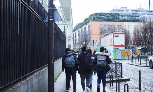 Pariz : Novčana pomoć porodicama čija deca idu u školu