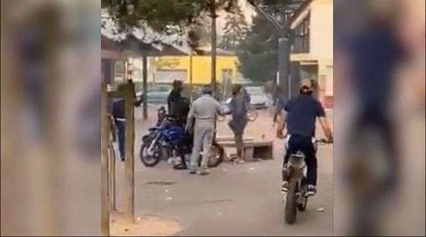"""(VIDEO)Francuska : """"Rodeo"""" motorima za vreme izolacije"""