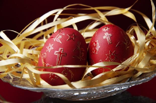 La tradition orthodoxe serbe – Œufs de Pâques colorés