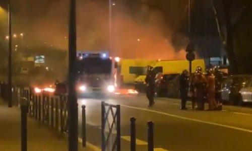 """(VIDEO)PARIZ : """"MALI RAT"""" NA ULICAMA USLED TEŠKE POVREDE PRILIKOM PRIVOĐENJA"""