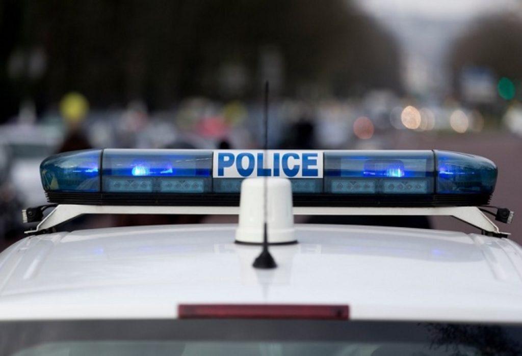 Pariz : Dok su privodili izgrednika, policajcima opljačkan automobil