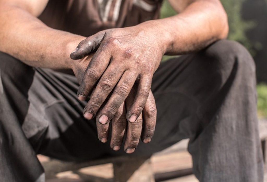 FRANCUSKA : DRŽAVA POMAŽE RADNIKE NA CRNO