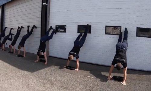 (VIDEO)Francuska : Vatrogasci i policija pokrenuli «Handstand T-shirt Challenge»