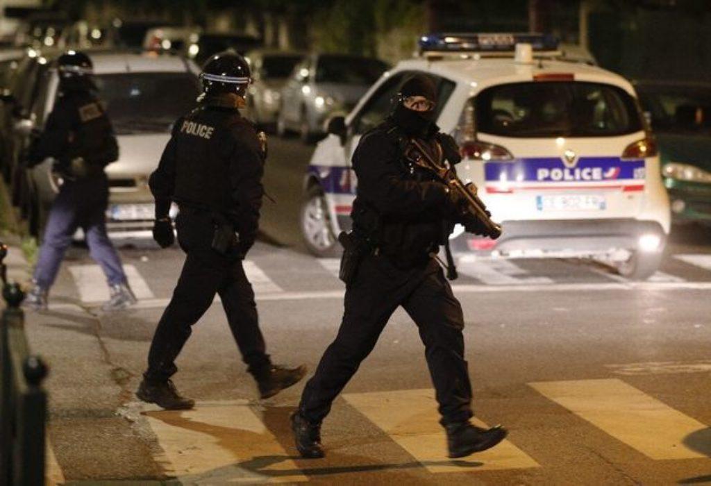 (VIDEO)Pariz : Ratne scene na ulicama prethodne noći posle pogibije osamnaestogodišnjaka