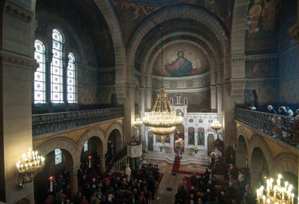 Francuska : Državni savet naredio vladi da ukine zabranu okupljanja u religioznim objektima