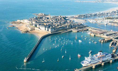 Francuska : Premijer precizirao letnji odmor i otvaranje ugostiteljskih objekata