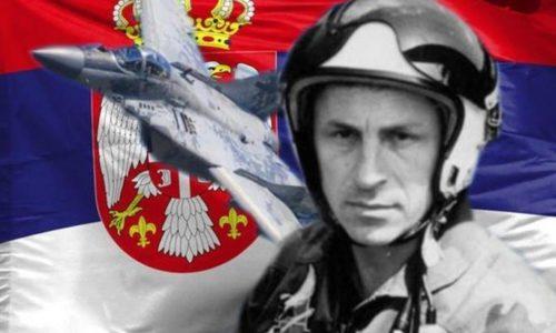 Na današnji dan pre 21 godinu herojski, sam, na 16 NATO aviona. Slava mu