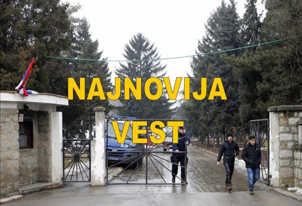 (VIDEO)»NE ŽELIM DA MOJU DVOJKU NAPADAJU MIGRANTI». Srbin probio ogradu i upao u migrantski kamp