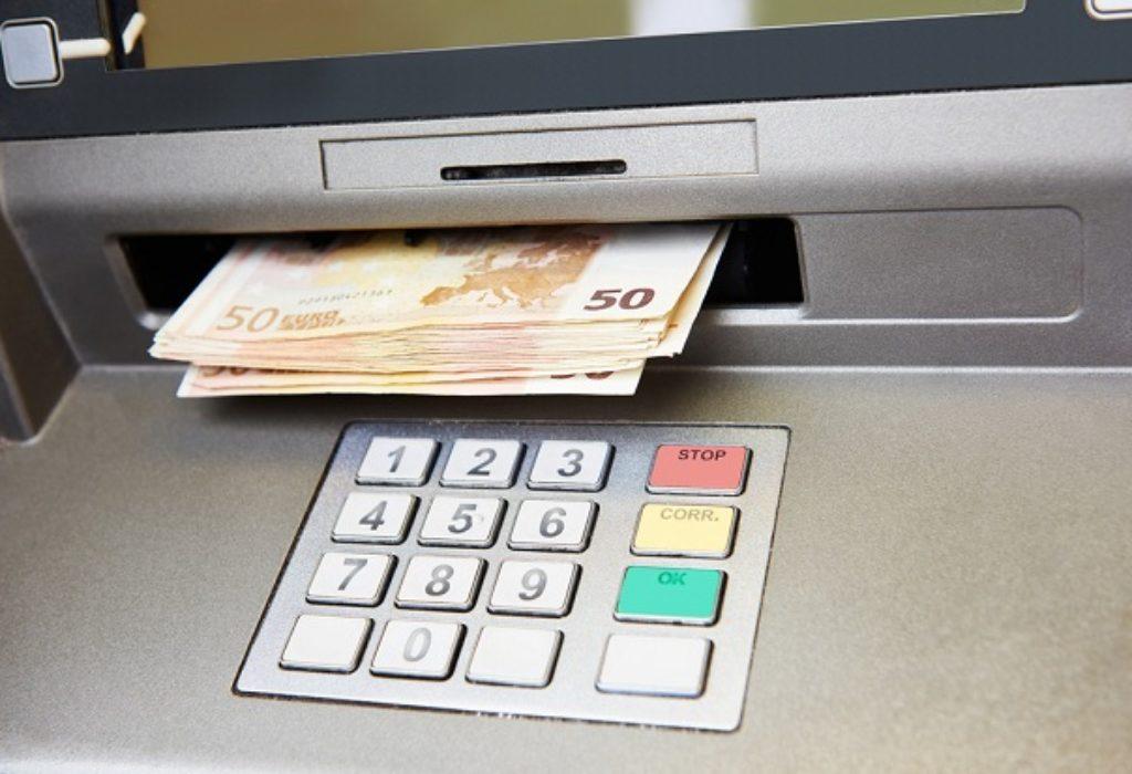 Francuska : Hakovali bankomate. Uhapšena dva muškarca iz istočne Evrope