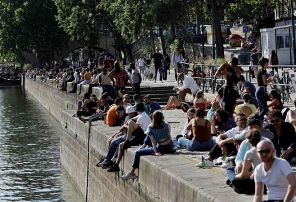 Francuska : Stanje sve bolje. Puno Parižana danas pored vode i u šumi