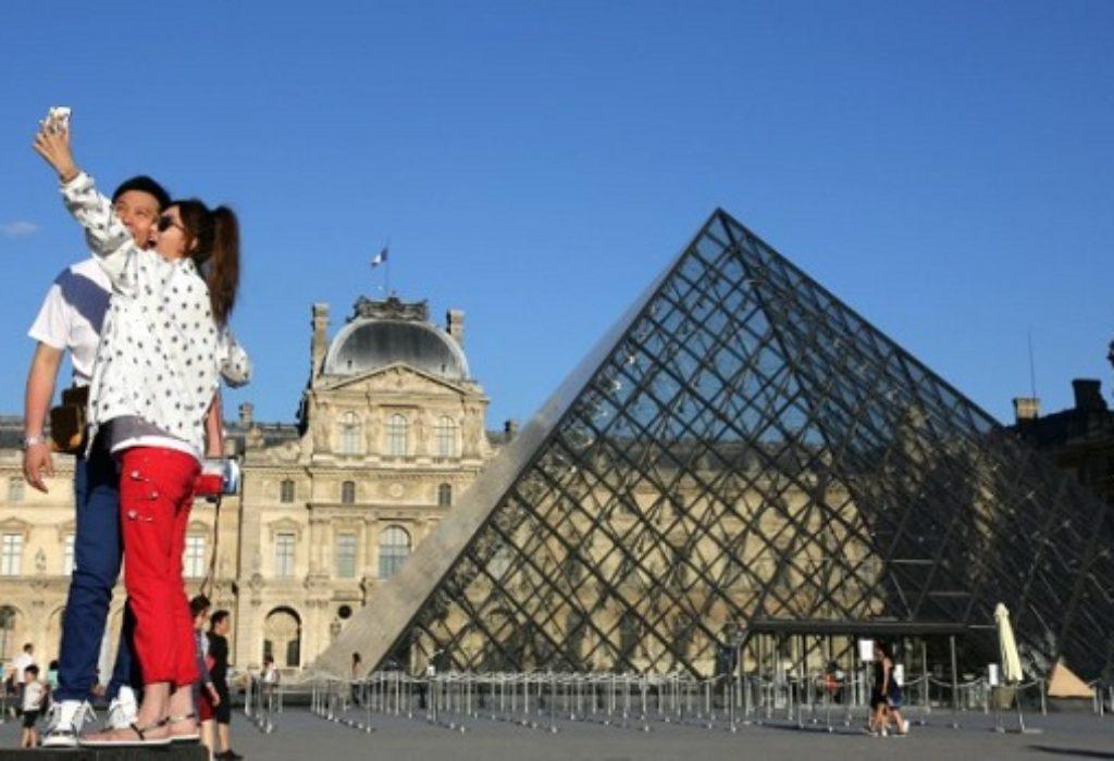 (VIDEO)NEZAPAMĆENO. U ovom trenutku «nula turista» u regionu Pariza