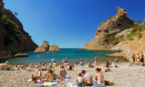 Francuska : Lepa i loša vest. Plaže otvorene ali se ne možete sunčati