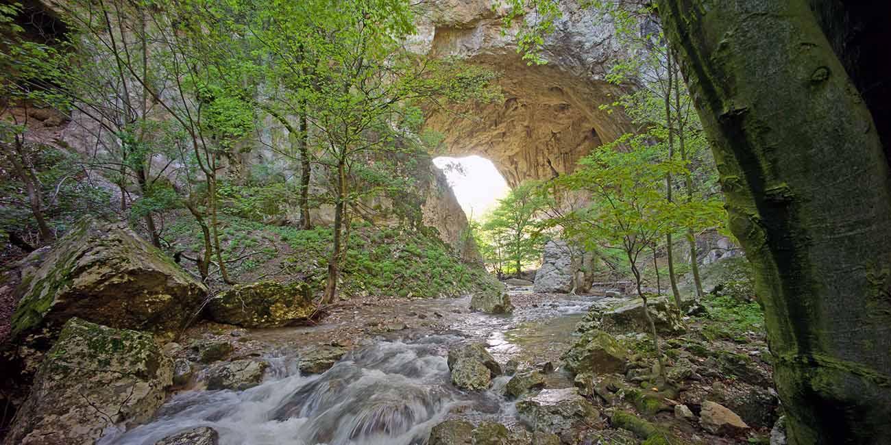 Les plus beaux ponts naturels se trouvent en Serbie